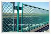 Highway and railway wire mesh fence