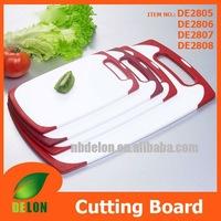 Non-slip plastic cutting board