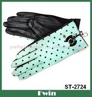 double-color leather gloves with dots