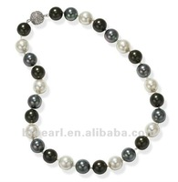 17 inches 12mm tri-color round shell pearl necklace