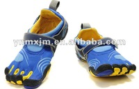 Latest best price moq four or five pairs mountain climbing finger shoes free shipping