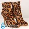 2011 New arrival leopard ankle boot with classical logo lady boot