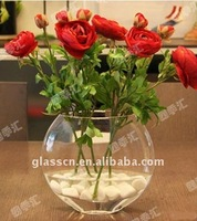 beautiful clear round glass vase llike a ball