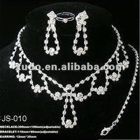 So beautiful!!! fashion charming rhinestone bridal jewelry sets