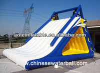 Inflatable water game toy