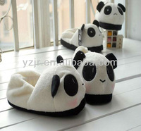 hot selling plush panda indoor slipper in animal shaped