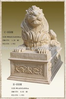 decorative resin columns.roman stand for sculptured lion statue