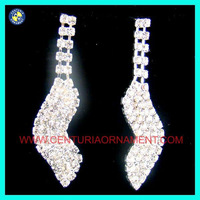 For women.Wholesale fashion crystal earring