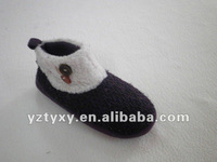 Handmade felt women shoes
