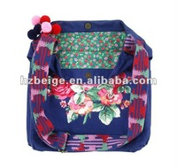 Fashion Messenger Bag With Embroidery