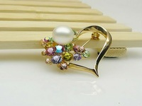 Heart design yellow gold plated brooch with real fresh water pearl