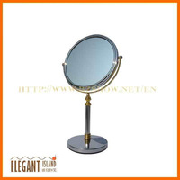 Standing Mirror on Simple Design