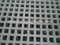 plastic grate flooring for passageway of worksite