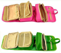 large capacity 3 in 1 cosmetic bag for tourist
