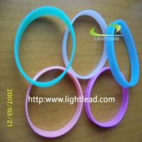 Silicone Bracelet / Plastic Rings (Glow in The Dark)